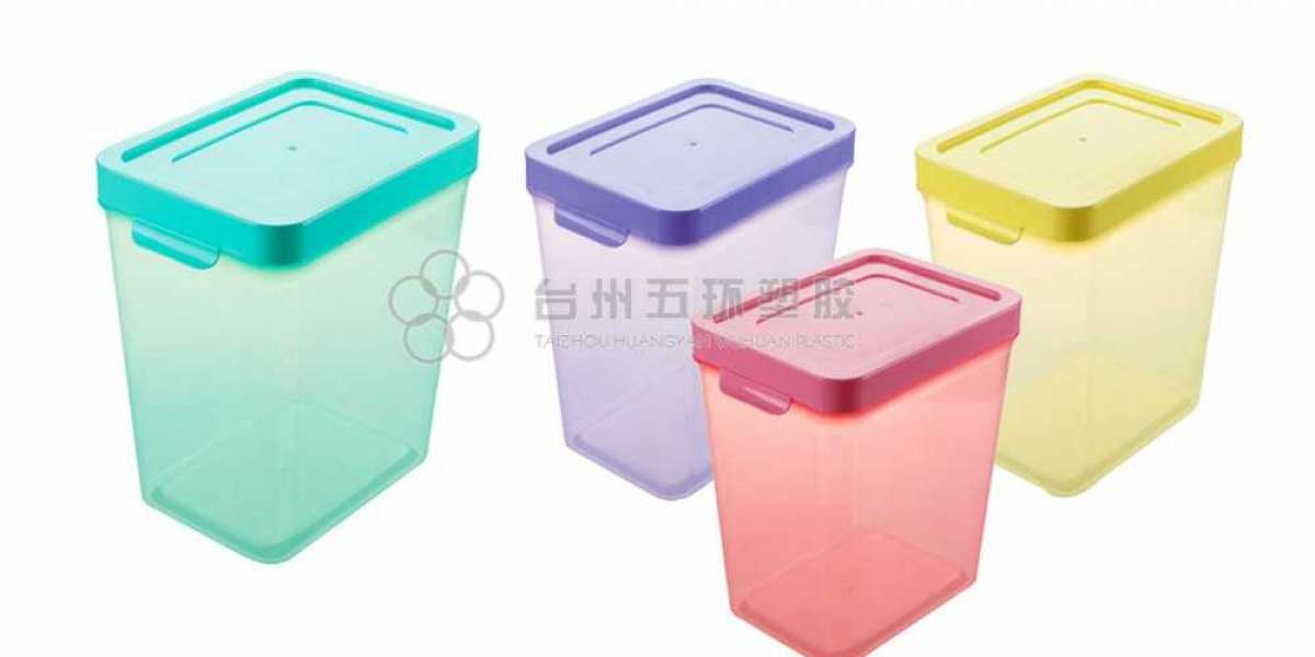 Asking your general practitioner for plastic container set